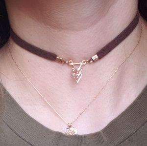 Jewelry - NWOT Tri Delta Dainty Triangle Arrow Suede Choker